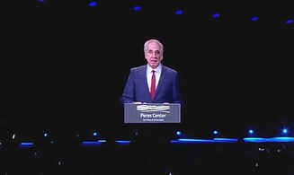 Watch: Shimon Peres 'comes back to life'