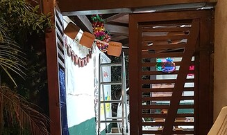 Man building Sukkah seriously injured after falling from ladder