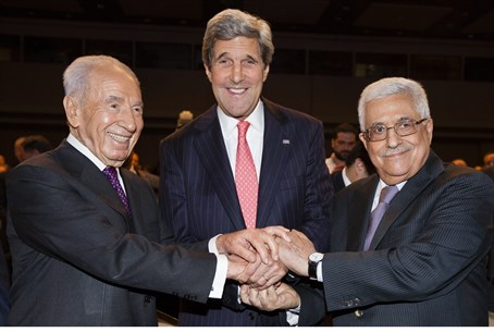 Shimon Peres, John Kerry and Mahmoud Abbas at