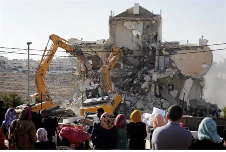 Demolition of illegal Arab building