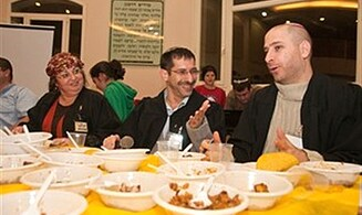 Efrat Chooses its Second 'Cholent King'
