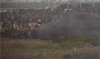 40,000 Gazans riot on Israel's border