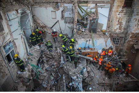 Rescue workers at Akko explosion (file)
