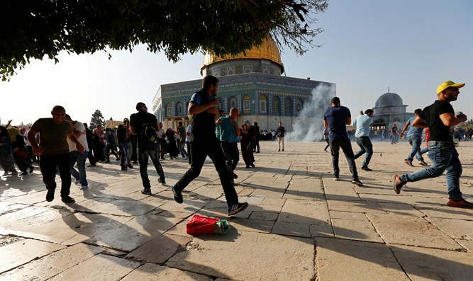 Riots break on Temple Mount, July 27th 2017