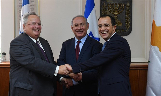 Netanyahu Meets with Greek FM Nikos Kotzias and Cypriot FM Nikos Christodoulides