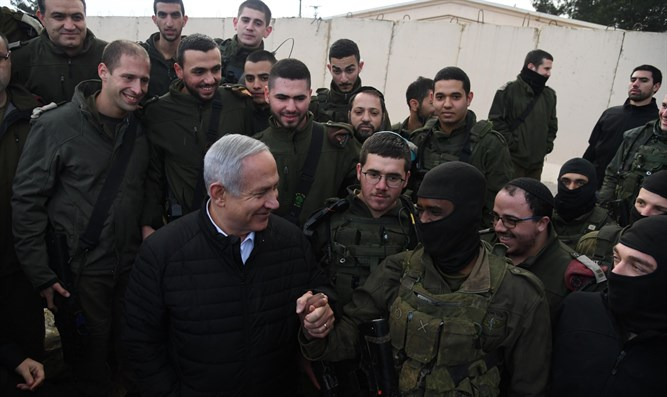 Netanyahu visits IDF forces on northern border