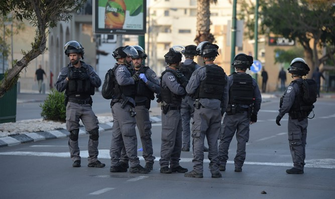Police in Jaffa, this evening