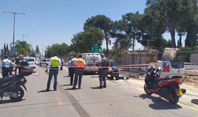 Scene of stabbing attack in Kfar Saba